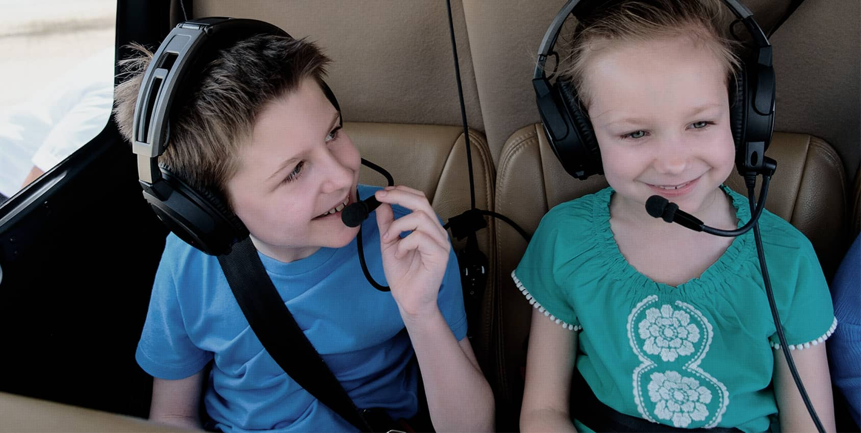 enfants en hélicoptère