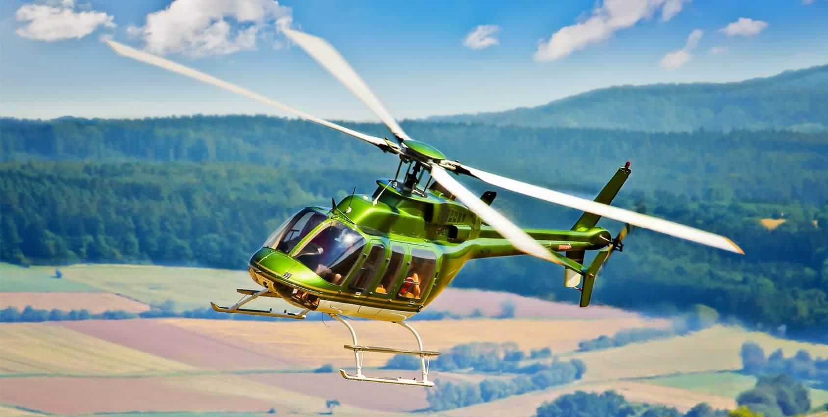 les mariés en hélicoptère